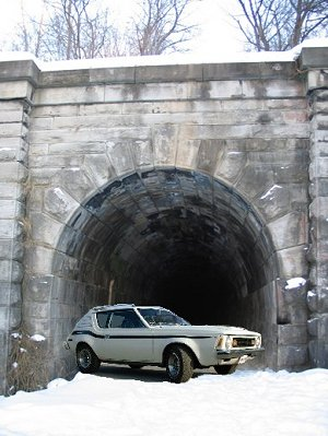 gremlin at the tunnel